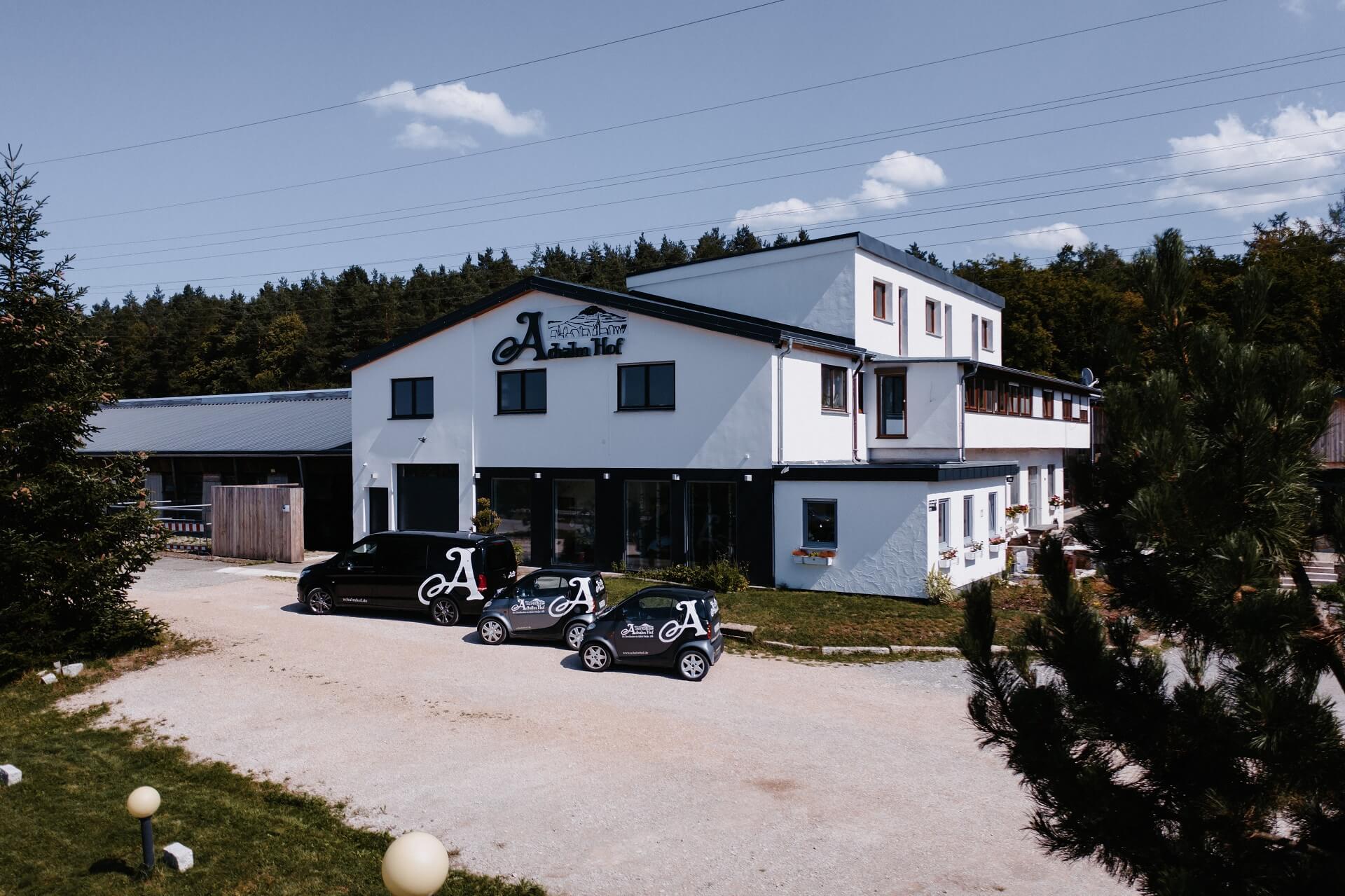Achalm Hof Luftbild und unser Fuhrpark